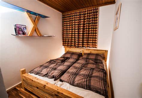 Bett Holz Rustikal by Rustikales Massivholzbett Selbst De Diy Forum