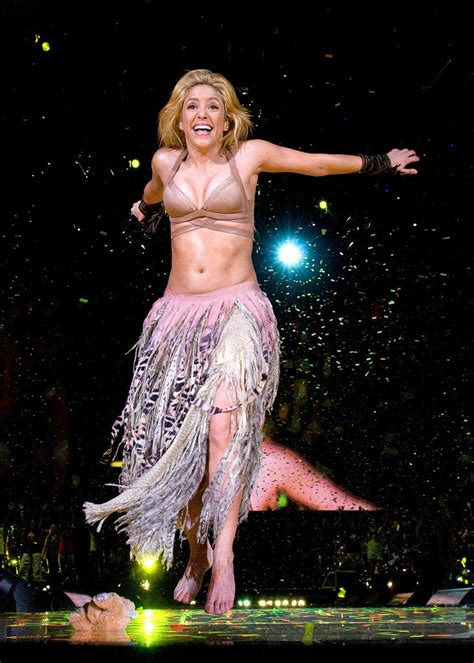 Shakira Jumbo shakira halter shakira clothes looks stylebistro