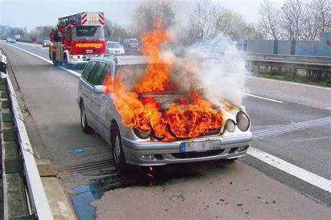Restwert Auto Totalschaden by Unfall Totalschaden Was Tun Autobild De