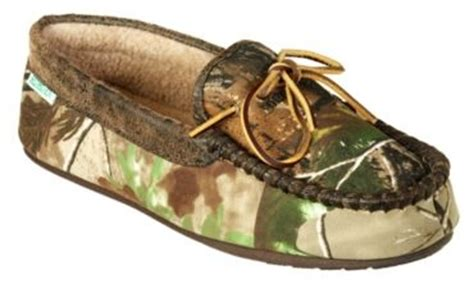 bass pro slippers pin by tony beckie baggett on my style