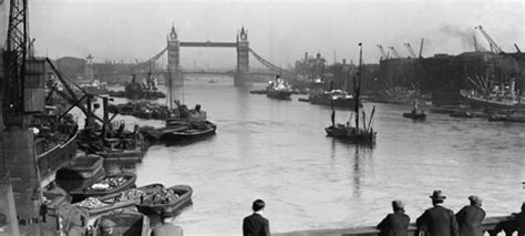 thames river america snapshot 21 photos of 1920s london anglophenia bbc