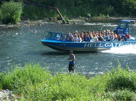 rogue river jet boat excursions we live in grants pass enjoy the ride picture of
