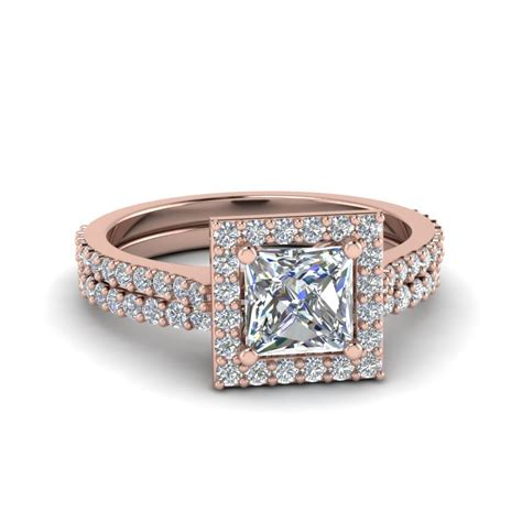 square halo princess ring with simple wedding band