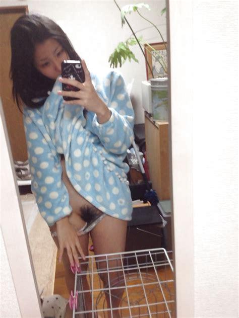 Japanese Schoolgirls Naked Selfie