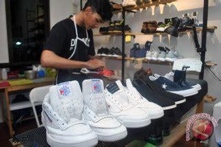 Sepatu Casual Pria Wakai Made In Japan Asli Import 26 sepatu sepatu berkesan impor ini ternyata buatan indonesia