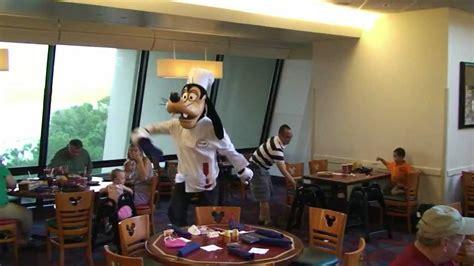 Mickey S Backyard Bbq Vs Chef Mickey Chef Mickey S Goofy With Mickey And Minnie