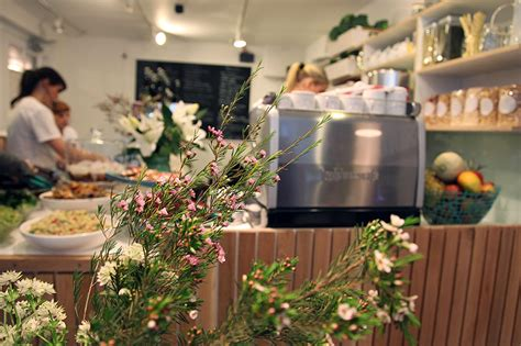 The Detox Kitchen Soho by Find The Top 10 Best Juice Bars In Beep