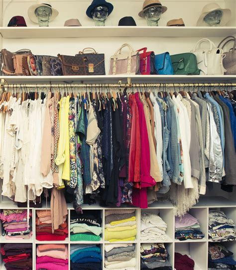 Organized Closet | learn to love your closet big or small