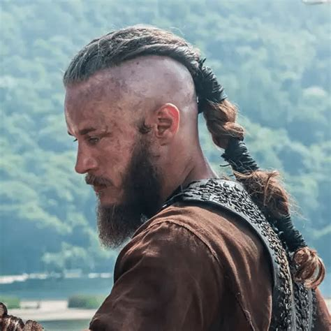 ragnar hairstyle fans of quot vikings quot try the ragnar lothbrok hairstyle men