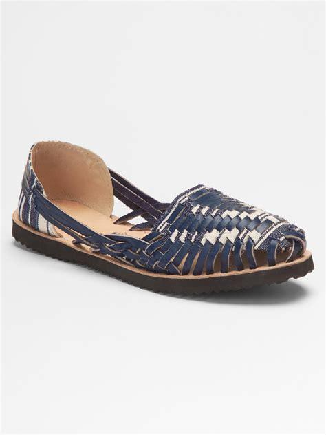 gap sandals 21 excellent gap sandals playzoa