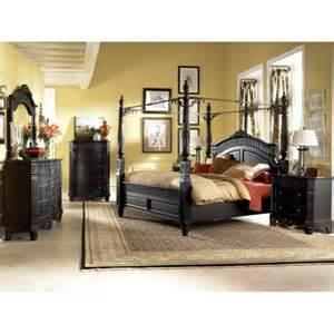 amazon com britannia rose queen poster bedroom set by