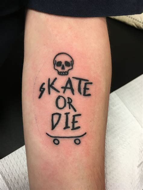 skateboarding tattoos best 25 skateboard ideas on skate