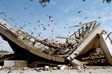earthquake gujarat erickbonnier pictures india earthquake in gujarat