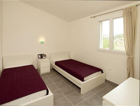 chambre deux lits chambre deco d 233 coration chambre deux lits