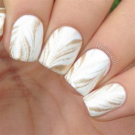 Nägel Mit Gold by 35 And Amazing White And Gold Nail Designs
