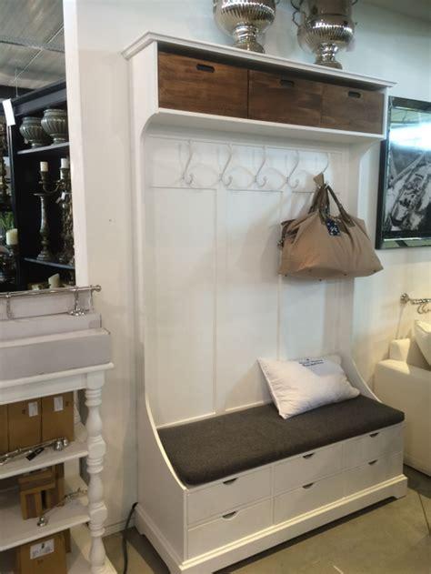 garderobe im landhausstil garderobe mit sitzbank garderobenschrank im landhausstil wei 223