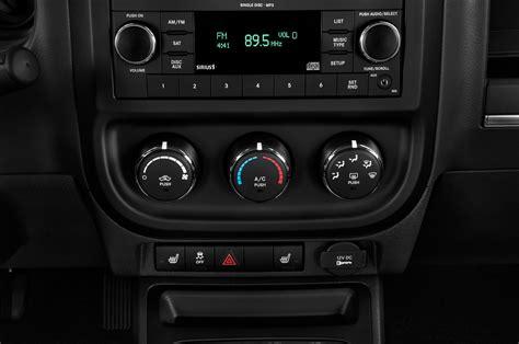 download car manuals 2012 jeep patriot interior lighting 2012 jeep patriot reviews and rating motor trend