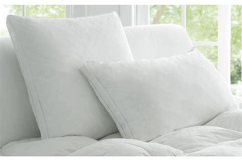 White Pillows Deluxe 174 Pillow