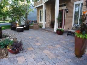 10 Ways To Upgrade Your Outdoor Spaces Diy Paver Patio Ideas Diy