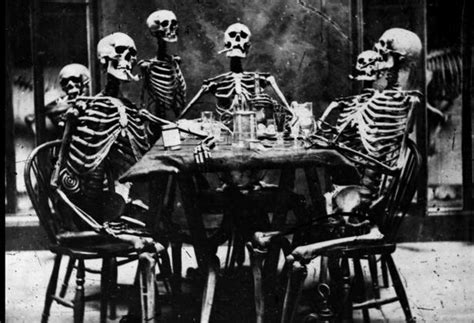 imagenes de calaveras esperando adictamente los esqueletos en el arte