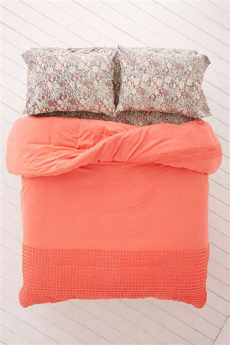 bedding urban outfitters shopping for bed sheets helpful tips and pointers