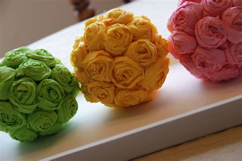 How To Make Crepe Paper Balls - diy crafts other projects crepe paper tissue rosette