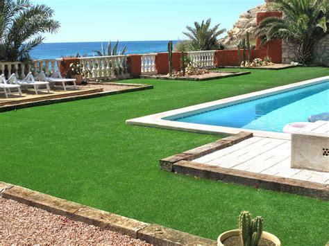 imagenes de jardines con gravilla c 233 sped artificial en piscina innogarden venta de c 233 sped