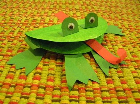 How To Make A Paper Frog Tongue - frog craft use during f is for frog week creating