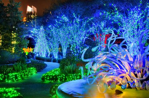 Atlanta Botanical Garden Shines Green This Winter With Botanic Gardens Lights