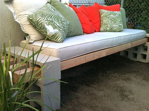 cinder block bench diy diy projects with cinder blocks ideas inspirations