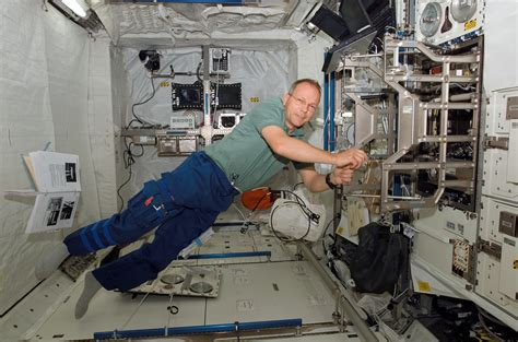 International Space Station Interior Layout by Space Shuttle Interior Pics About Space