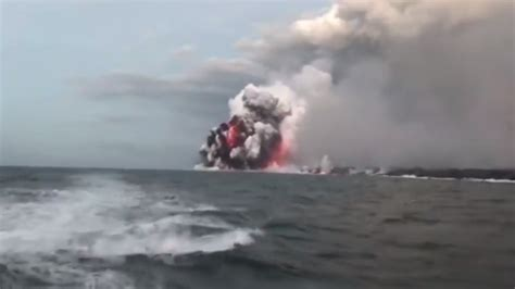 lava bomb tour boat video nearly two dozen people injured after lava bomb hits