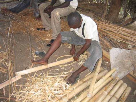 Fabriquer Des Objets En Bambou by Le Meuble Africain La Fabrication De La Chaise En Bambou