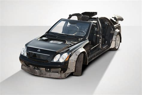 z maybach z and kanye s wrecked maybach fetches just 60 000 at
