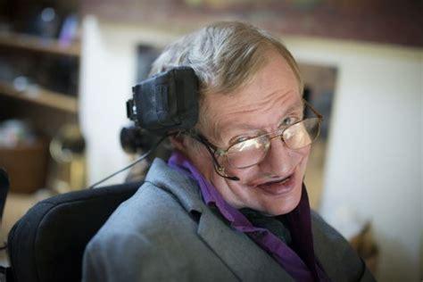 cientifico en silla de ruedas as 237 es la nueva silla con la que se comunica stephen