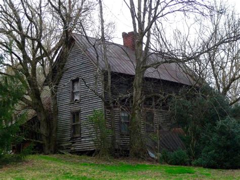 haunted houses in tennessee 10 creepy houses in tennessee that could be haunted