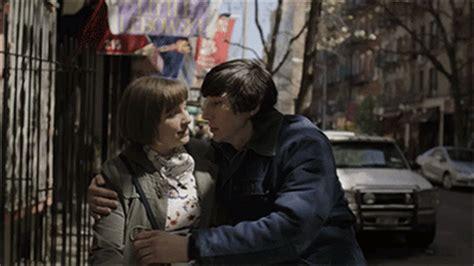 gifs de amor minions de amor gifs find share on giphy
