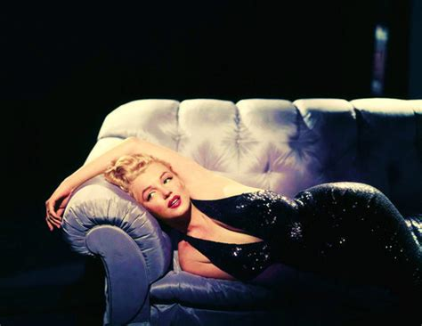 marilyn monroe couch marilyn monroe too many posts