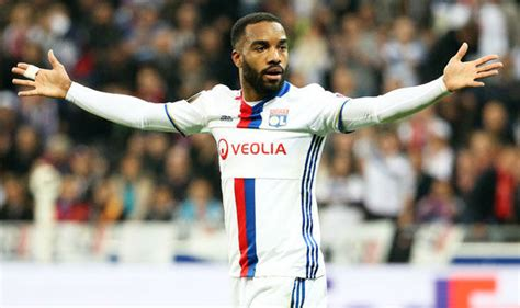 alexis sanchez qualities arsenal transfer news alexandre lacazette like alexis