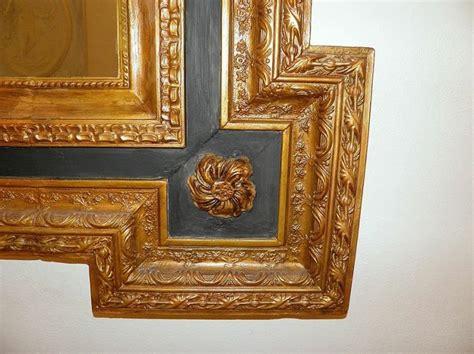 specchio cornice dorata oltre 25 fantastiche idee su specchio con cornice in legno