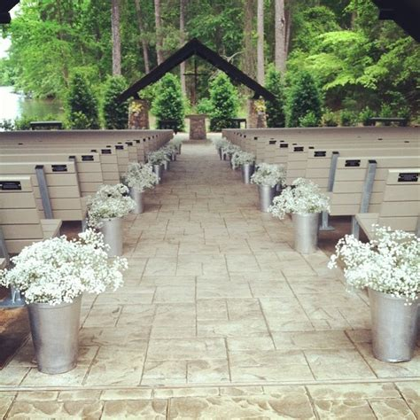 wedding decor ideas 2 10 barn wedding decor ideas