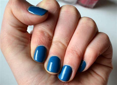 lada manicure manicure w wiosennym kolorze essie