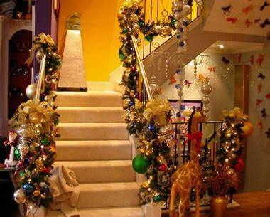 homes with christmas decorations decorating your home for christmas art and home designs