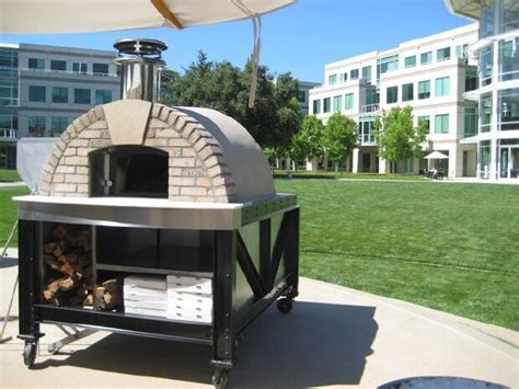 mobile pizza oven best 25 mobile pizza oven ideas on oven