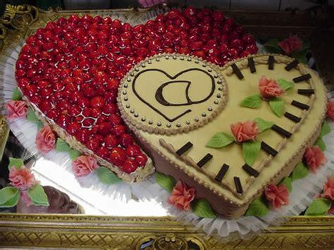 Hochzeitstorte Obst Herz by Torten Aller