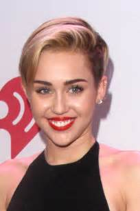 miley cyrus hairstyle name miley cyrus short haircut blonde side part