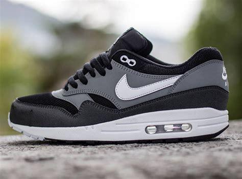 Nike Airmax One Grey Black nike air max 1 essential black geyser grey cool grey