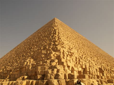 pyramid builders the speed of light for building pyramids 99 invisible