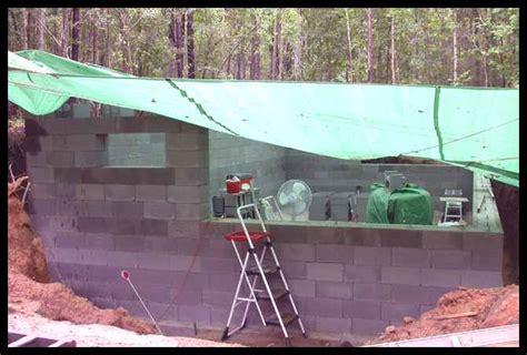 underground walls solar powered home