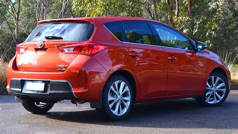 toyota hatchback 2015 toyota corolla review levin zr hatch video carsguide